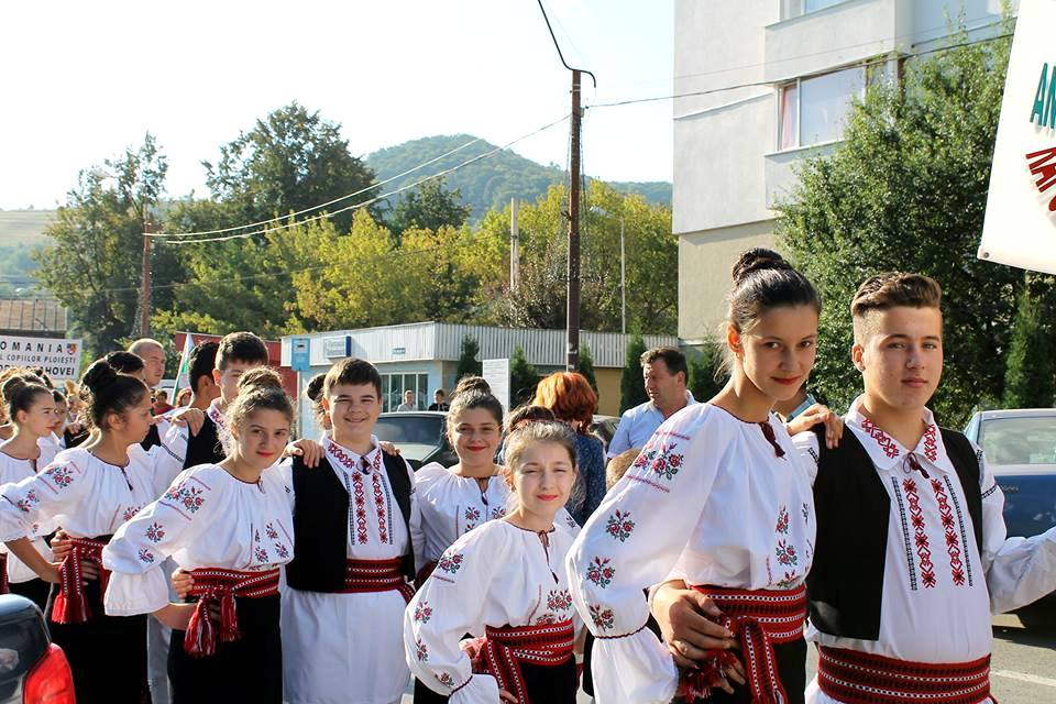 ii traditionale costume populare