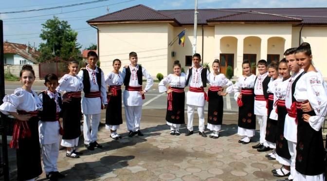 Costume Populare Romanesti Broderii Si Cusaturi Romanesti